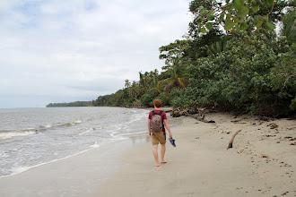 Photo: Karibik - einfach mal die Füße eh Schuhe in die Hand nehmen! - Cahuita National Park