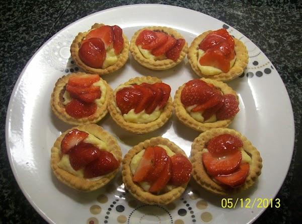 Strawberry Custard Tartlets.. Recipe