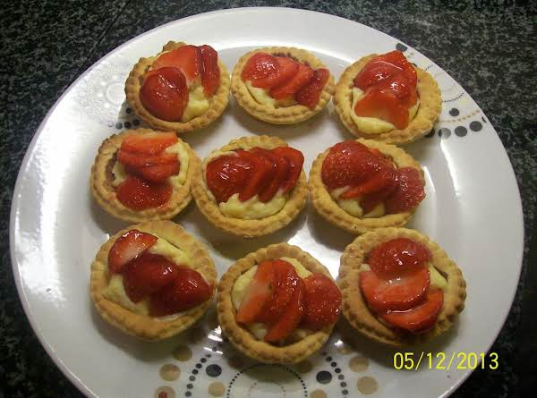 Strawberry Custard Tartlets.. Recipe
