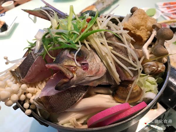 賴桑壽司屋 || 高雄寒流來了,是不是該喝碗熱呼呼的鮮甜魚湯暖暖身軀呢?! 新鮮現宰魚直接將火鍋堆成尖塔,不喝真的不行啊~