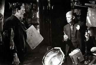 """Photo: Boris Karloff é dirigido por James Whale em """"A Noiva de Frankenstein"""", de 1935. http://filmesclassicos.podbean.com"""