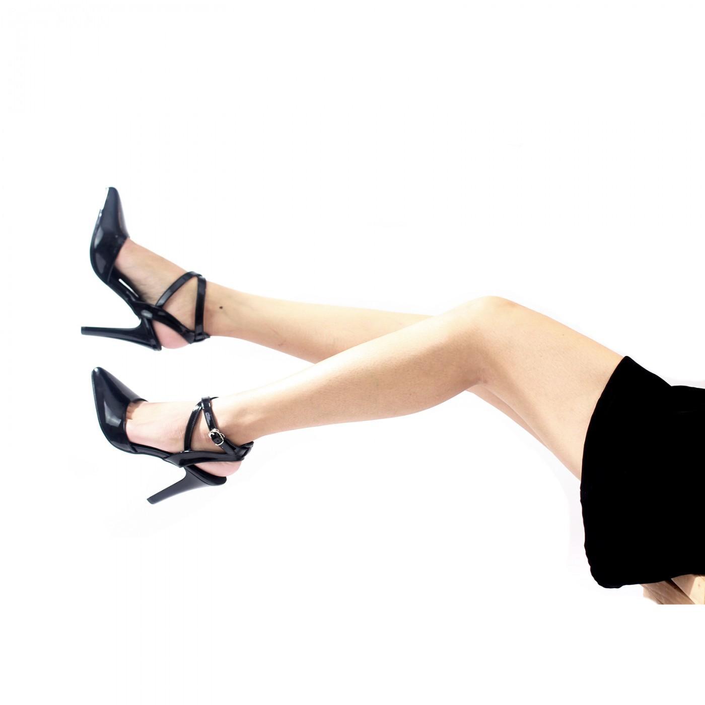 Mẫu giày cao gót mũi nhọn