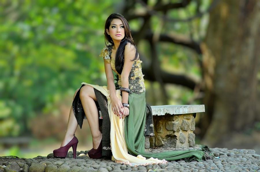 Dimastika by Vian Arfan - People Portraits of Women