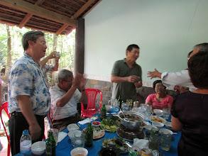 Photo: Bạn Huỳnh Hữu Thế (về từ Mỹ) lần đầu họp mặt
