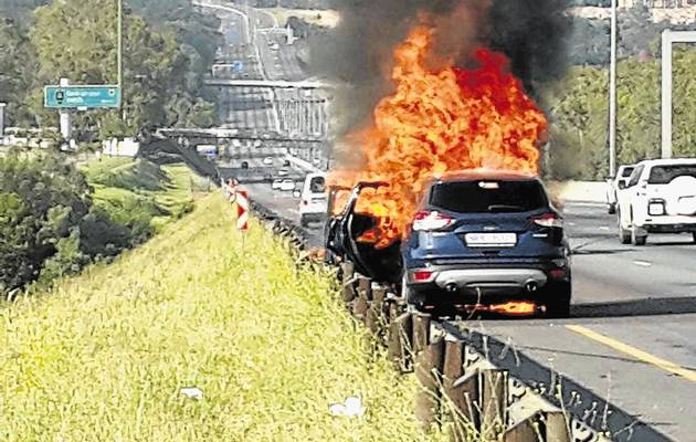 A Ford Kuga that burnt out in Alberton. Picture: WARREN KROG