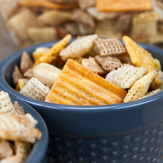 Spicy Cheddar Snack Mix