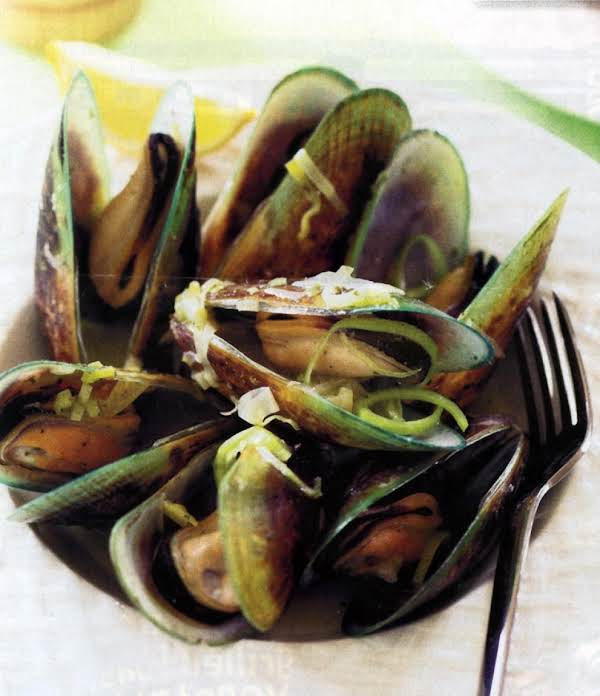 Green Lipped Goddess... Mussels With Pesto Sauce