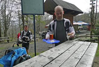 Photo: Niestety to byla Jedna Wielka Porażka - kiepska kremowka (szarlotka - przyp. poprawiacza), kawa i herbata nawet też.... sugeruje unikać :)