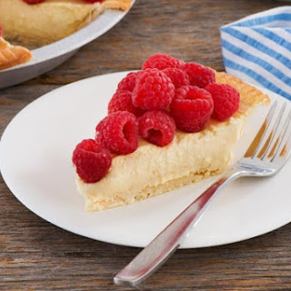 Raspberry Cream Cheese Mousse Pie
