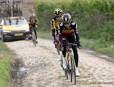 📷  Wout van Aert en andere renners Jumbo-Visma vertrekken in Parijs-Roubaix met speciale tenue