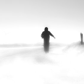 run  by Charles Saswinanto - Black & White Portraits & People ( snow, winter, black and white, people, landscape,  )