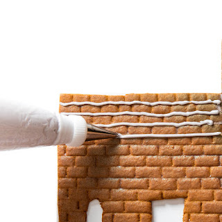 Sturdy Royal Icing for Gingerbread Houses