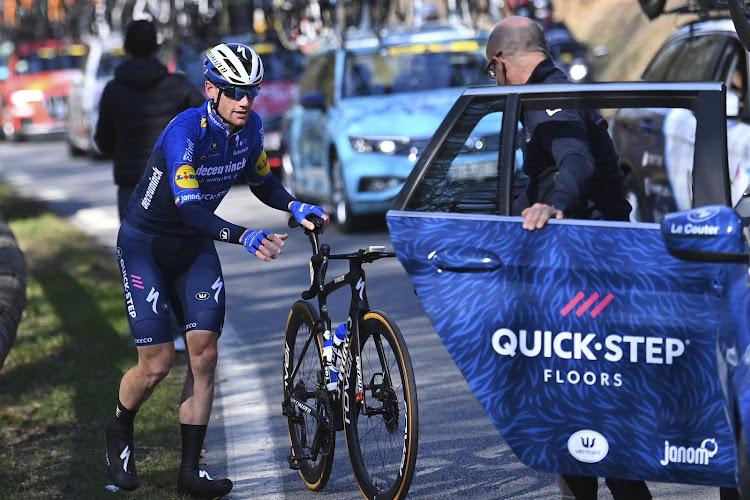 Verrassende aanval Gilbert maar aan het eind in eerste rit Parijs-Nice staat er geen maat op Sam Bennett