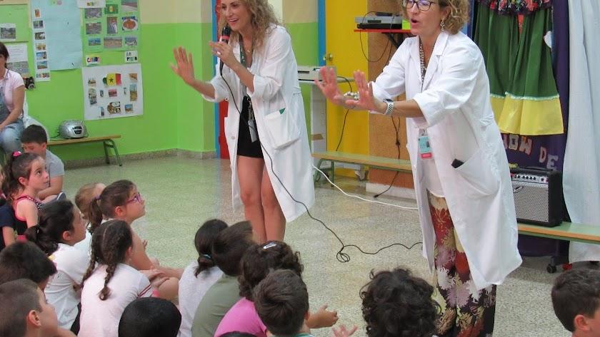 Desarrollo de la charla en el colegio Diego Velázquez.