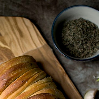 Buttery Garlic Pull apart Bread