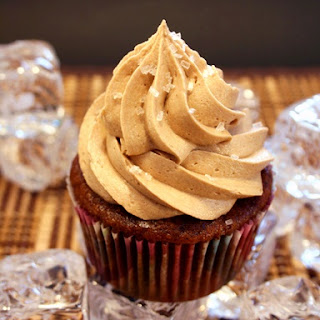 Vegan Iced Tea Cupcakes with Lemon-Iced Tea Frosting.