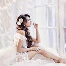 Wedding photographer Natasha Labuzova (Olina). Photo of 04.12.2015