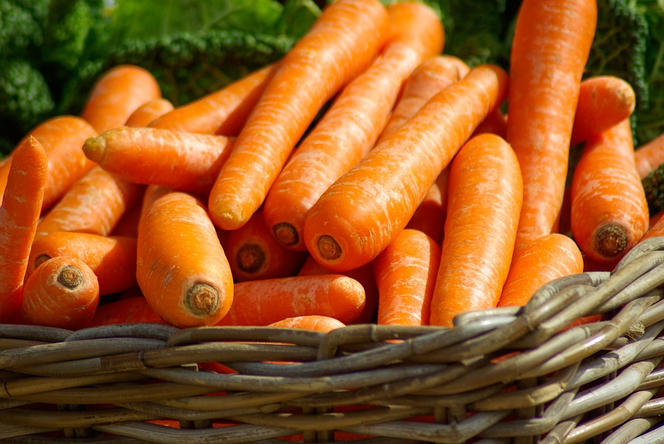 carrots-673184_960_720-2.jpg