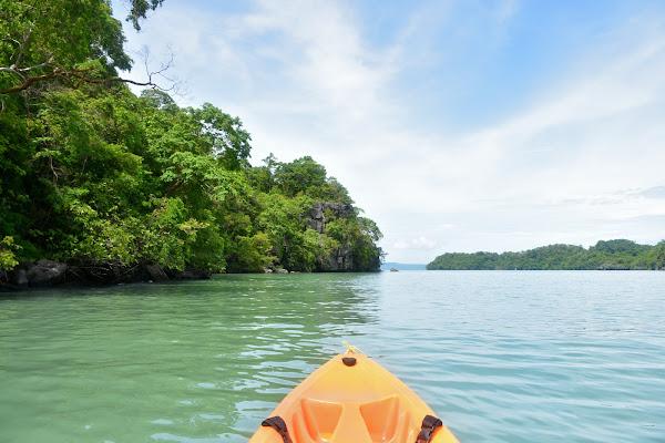 Paddle by kayak along the coastline of Koh Khao Yai