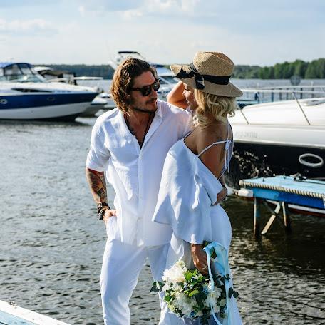 Wedding photographer Aleksandr Glazunov (AlexandrN). Photo of 22.10.2017