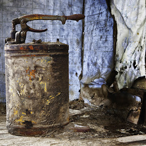 Oil Can by Shaun Schlager - Artistic Objects Other Objects ( rockfrod, shed, urban decay, wa, forgotten, oil can, shaun schlager, abandoned )