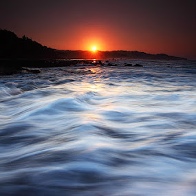 The Sun & The Wave by Edo Kurniawan - Landscapes Waterscapes