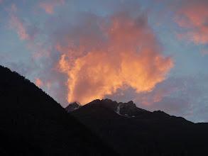 Photo: pohled do kopců z kempu, zítra to vypadá na pěkný den