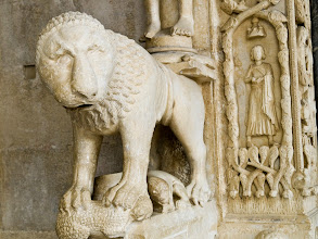 Photo: Stone lion at entrance of main church in Trogir, Croatia