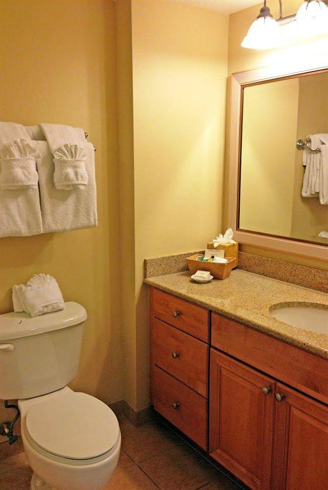 Hilton Grand Vacations Suites at SeaWorld Orlando