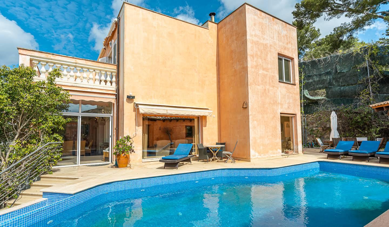 Propriété avec piscine en bord de mer Palma
