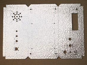 Photo: la plaque d'alu traçée ,percée avant pliage