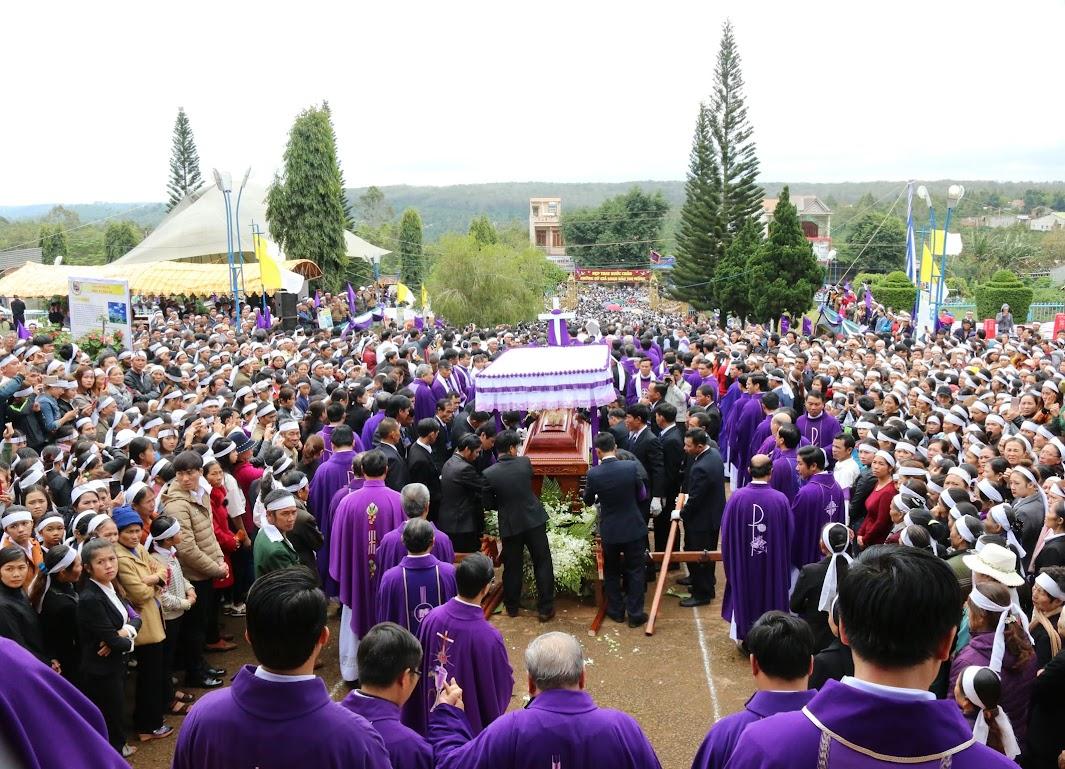Thánh lễ an táng Cha Đaminh Vũ Đức Hậu - Giáo phận Ban Mê Thuột - Ảnh minh hoạ 17