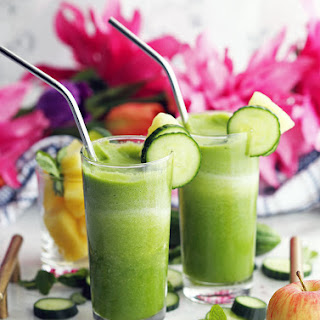 Cucumber Mint Pineapple Smoothie.