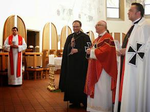 Photo: Úvodní pozdravení od pana velmistra, překládá klerik Aleš