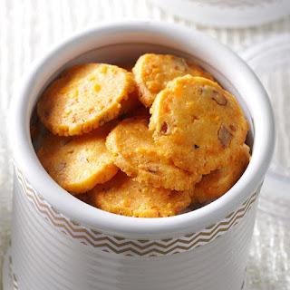 Cheddar-Pecan Crisps Recipe