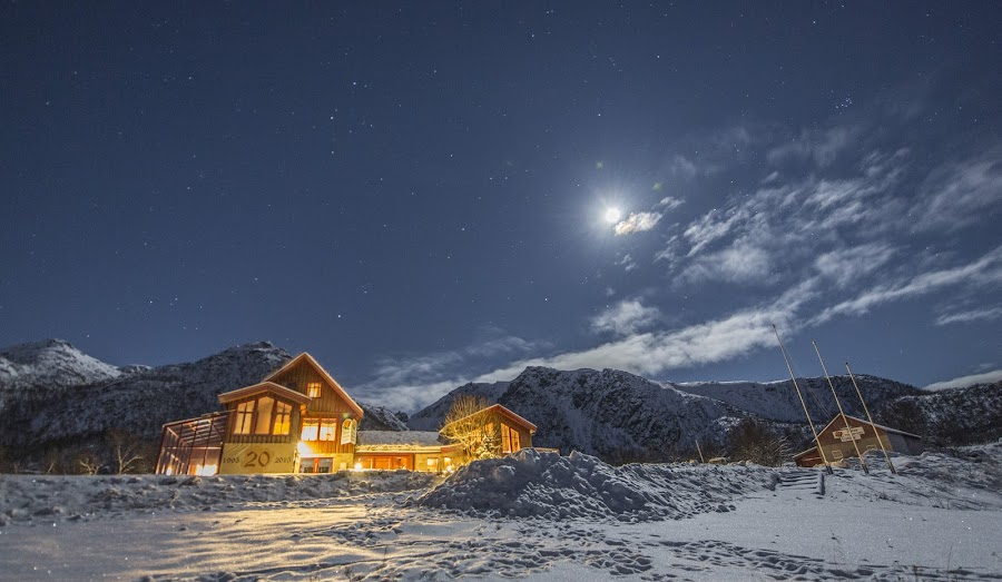 Andøy friluftssenter by Benny Høynes - Buildings & Architecture Office Buildings & Hotels ( moon, winter, aurora borealis, snow, norway )