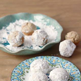 Powdered Doughnut Holes