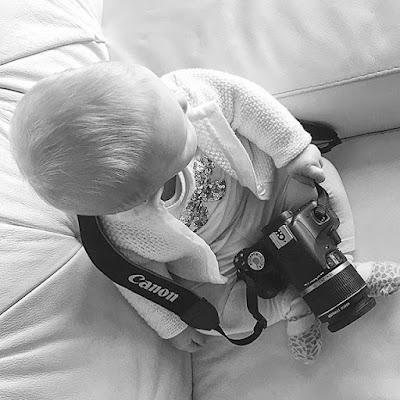 VIKI PASSIONE FOTOGRAFA.📷❣ #love #baby #viky #victoriastella #shooting   #details #photoartist #blackandwhite #childhood #passion #tagforlikes #tflers #instapic #instagram #picoftheday #babygirl #fashionshoot #canon #phnadiacomincioli #all_shot #colo di nadiacomincioli