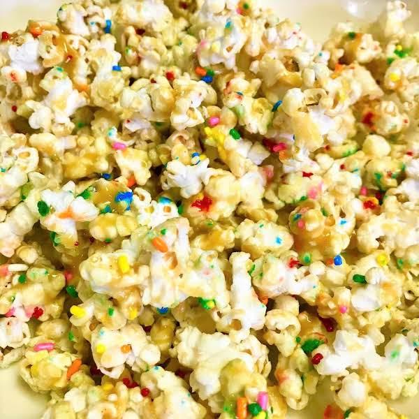 Rockstar Vanilla Caramel Popcorn In Less Than 20 Minutes!