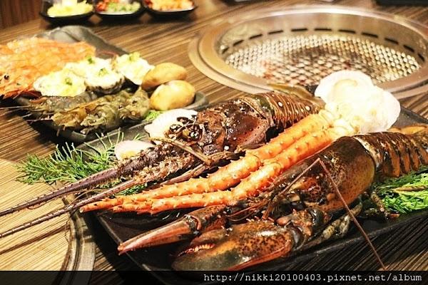 板橋燒肉吃到飽餐廳推薦 燒肉眾精緻炭火燒肉 899元就可以吃到和牛 龍蝦 帝王蟹腳 CP值高的燒肉吃到飽