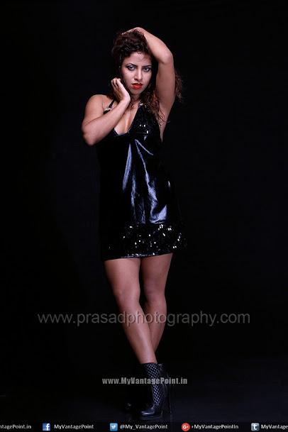 beautiful-Nastiya-Roy-in-black