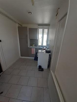Vente divers 13 pièces 358 m2