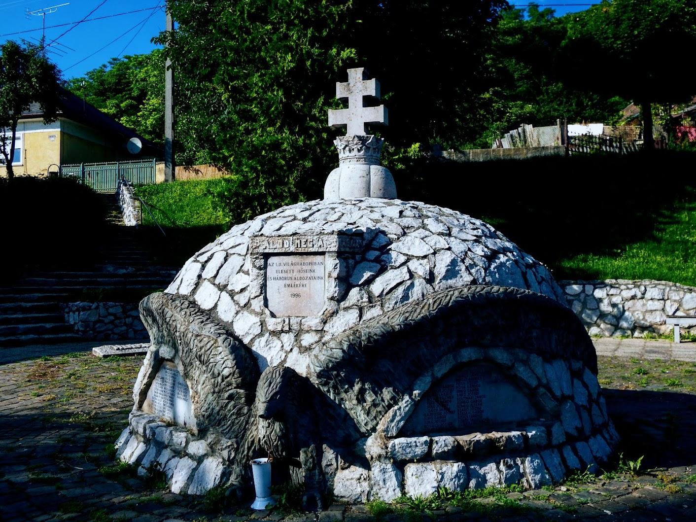 Bajót - I. és II. világháborús emlékmű