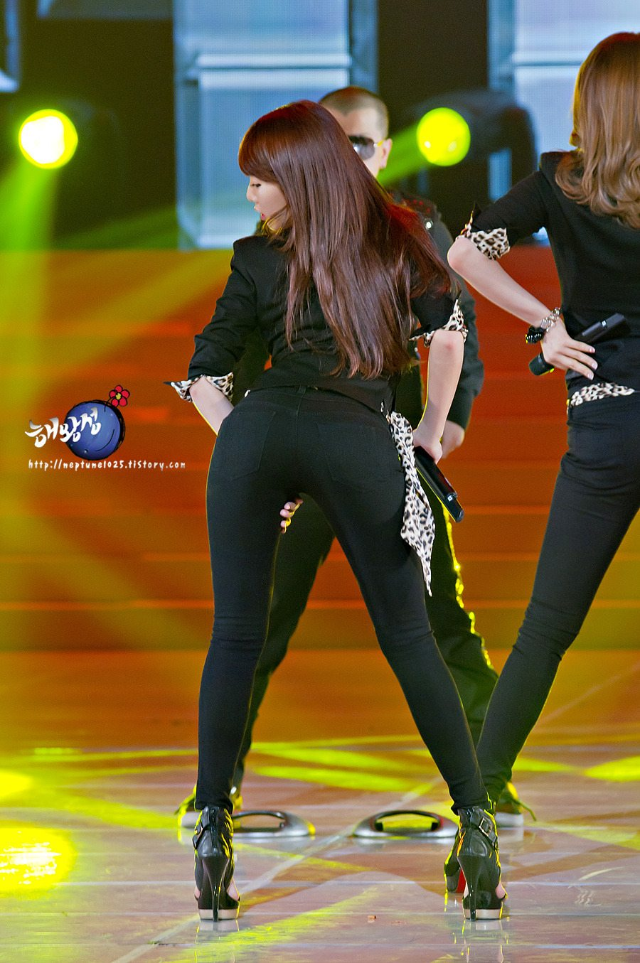 15+ female idols with the most bootylicious butts