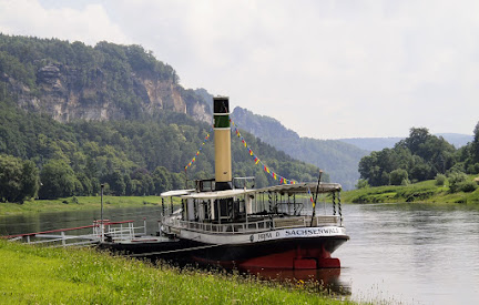 You can a little ferry boat like this to cross the Elbe River.