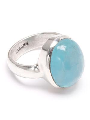 Akvamarin, cabochonslipad oval ring