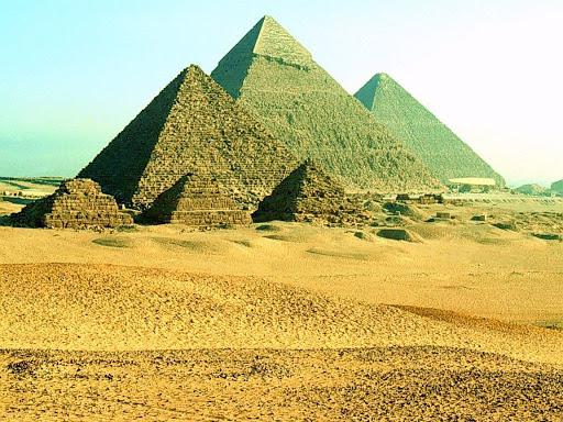http://lh6.google.com/LisaSmirnoff/Rtm_2bKXmrI/AAAAAAAABxI/XNXFUBRe_r4/pyramyd.jpg?imgmax=512