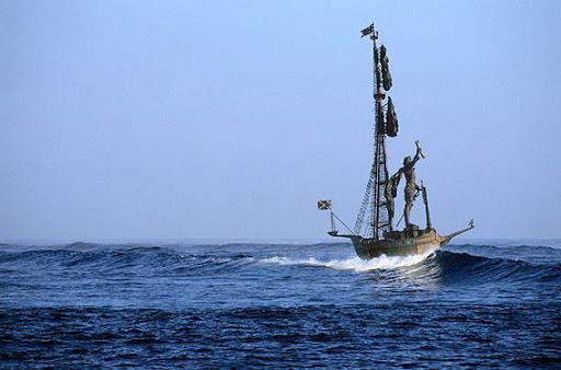 http://lh4.google.com/LisaSmirnoff/RtnBh7KXndI/AAAAAAAAB3Y/GrJV70cd7R8/SEA.JPG?imgmax=512