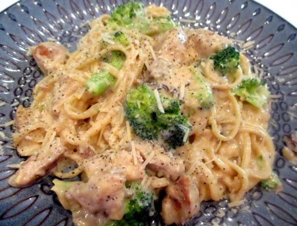 ~ Creamy Chicken/ Broccoli / Parmesan Pasta ~ Recipe