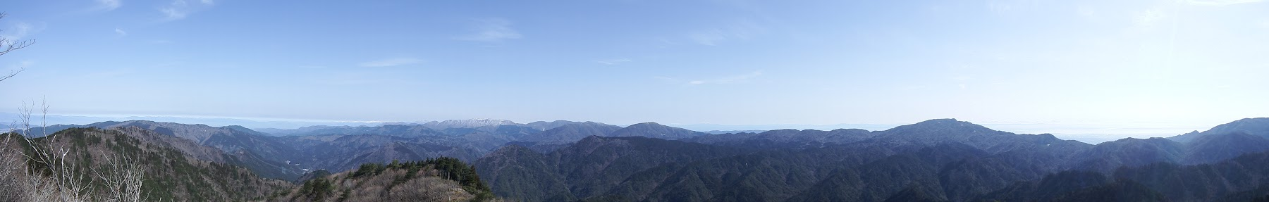 東峰からのパノラマ